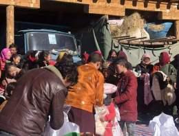 发扬中国的和平友善的精神,对国外贫困地区伸出援手